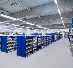 led linear fixtures install in warehouse