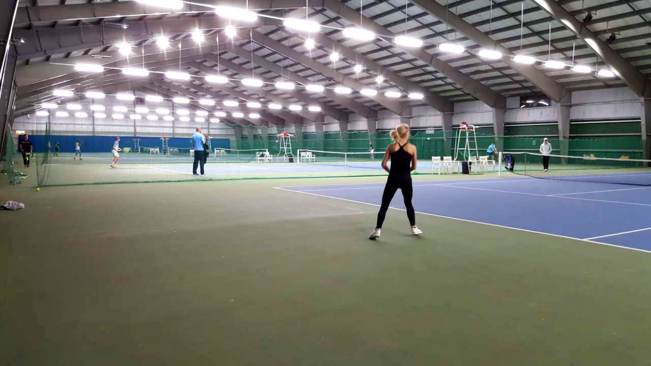 linear led high bay fixtures install in tennis court