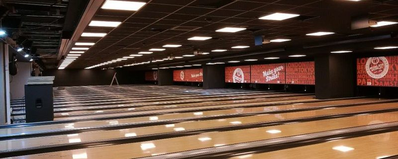 led panel light application for bowling club
